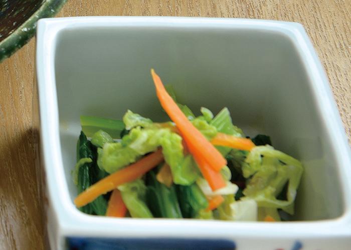 青菜と人参の辛子和え